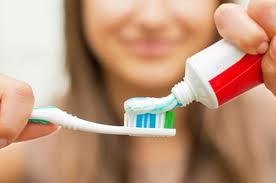 Как да си мием зъбите правилно и да поддържаме добра орална хигиена